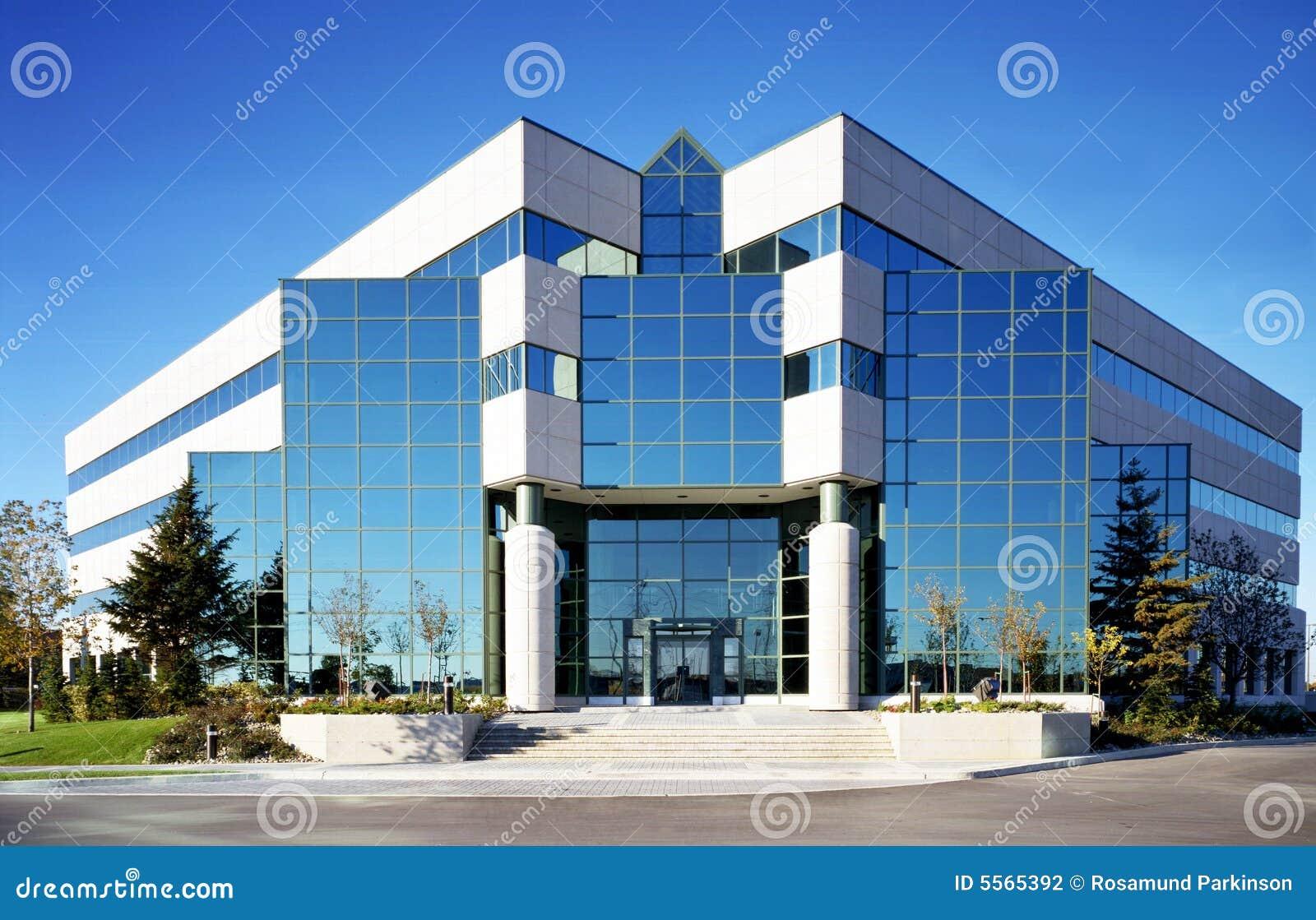 Fachada de vidro foto de stock imagem de edif cio for Fachadas modernas para oficinas