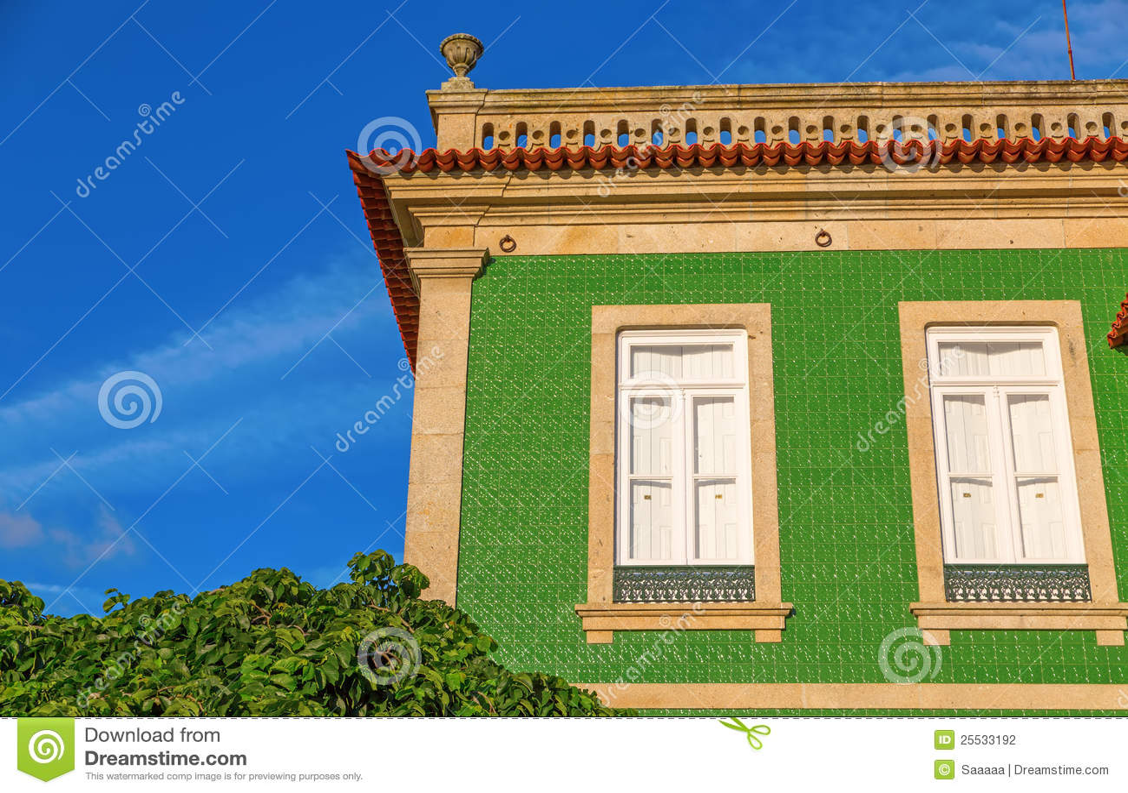 Fachada del azulejo fotograf a de archivo imagen 25533192 for Fachada tradicional