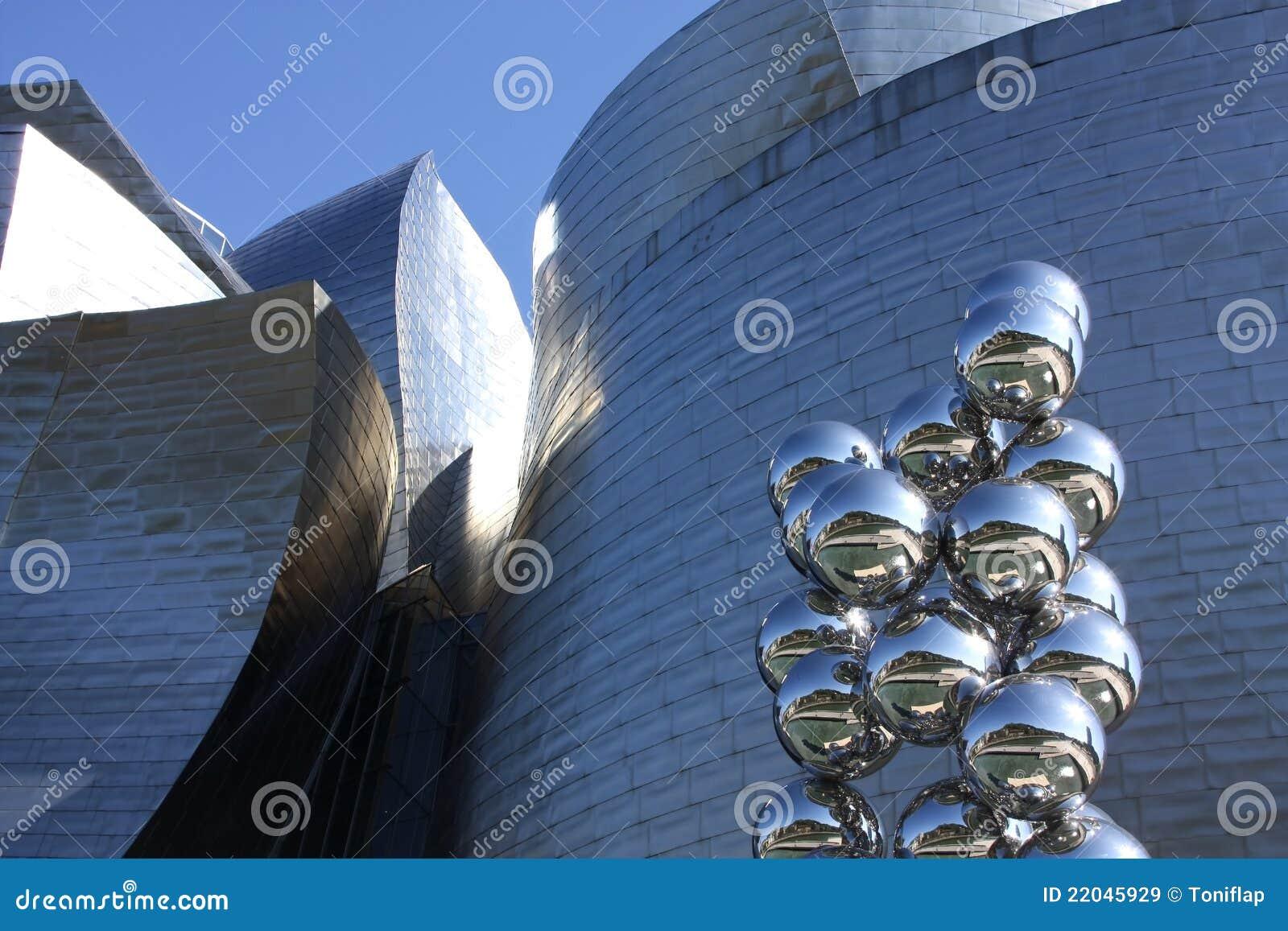 Fachada e escultura moderna, Bilbao