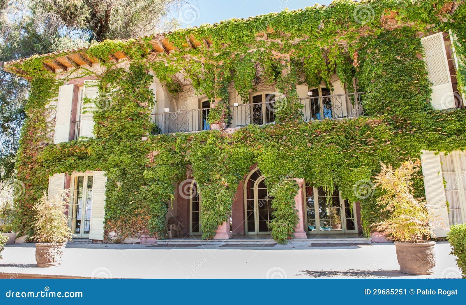 Fachada Elegante Verde De La Casa Imagen De Archivo Imagen De