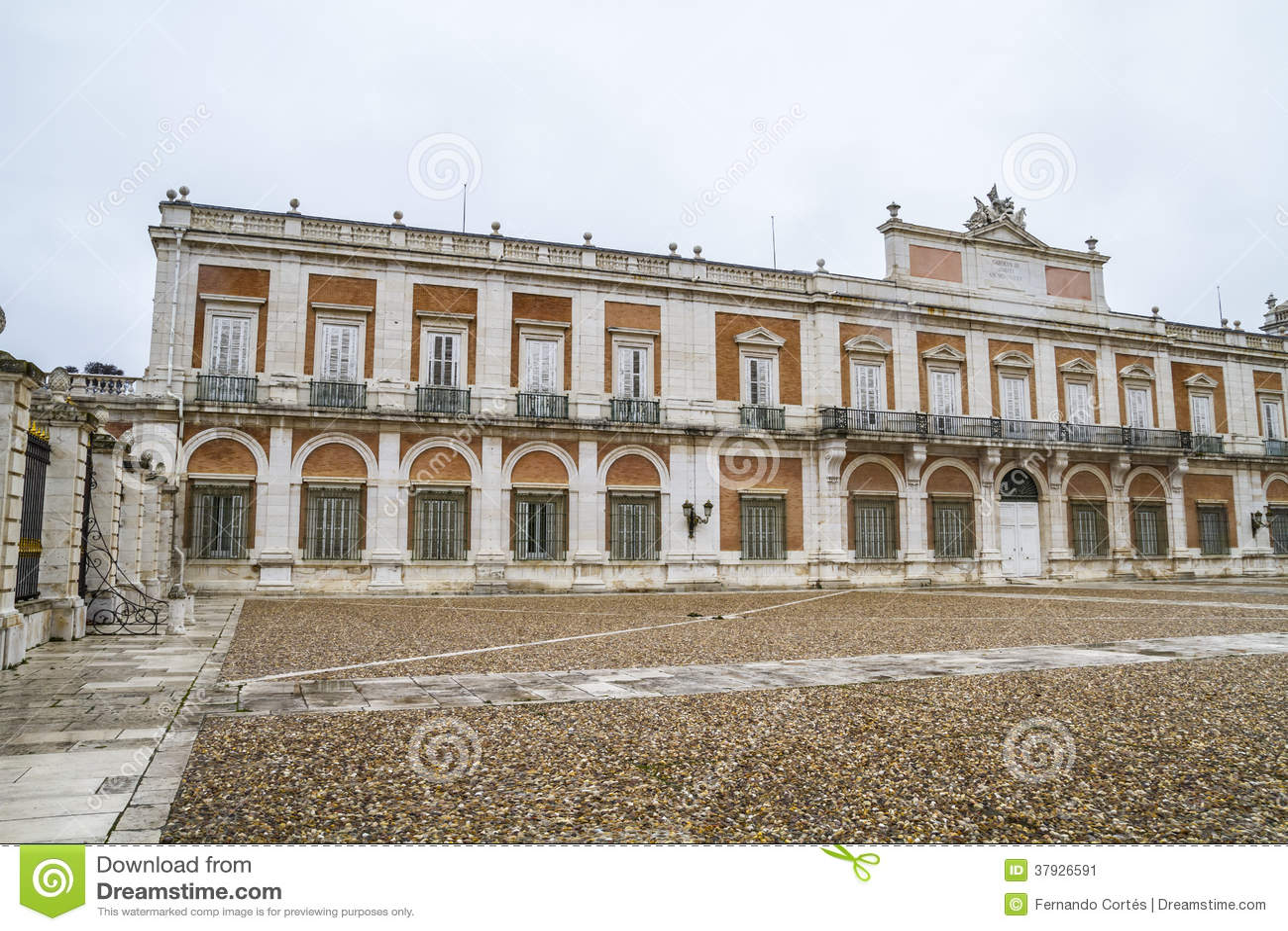 Fachada principal. O palácio de Aranjuez, Madri, herança de Spain.World senta-se