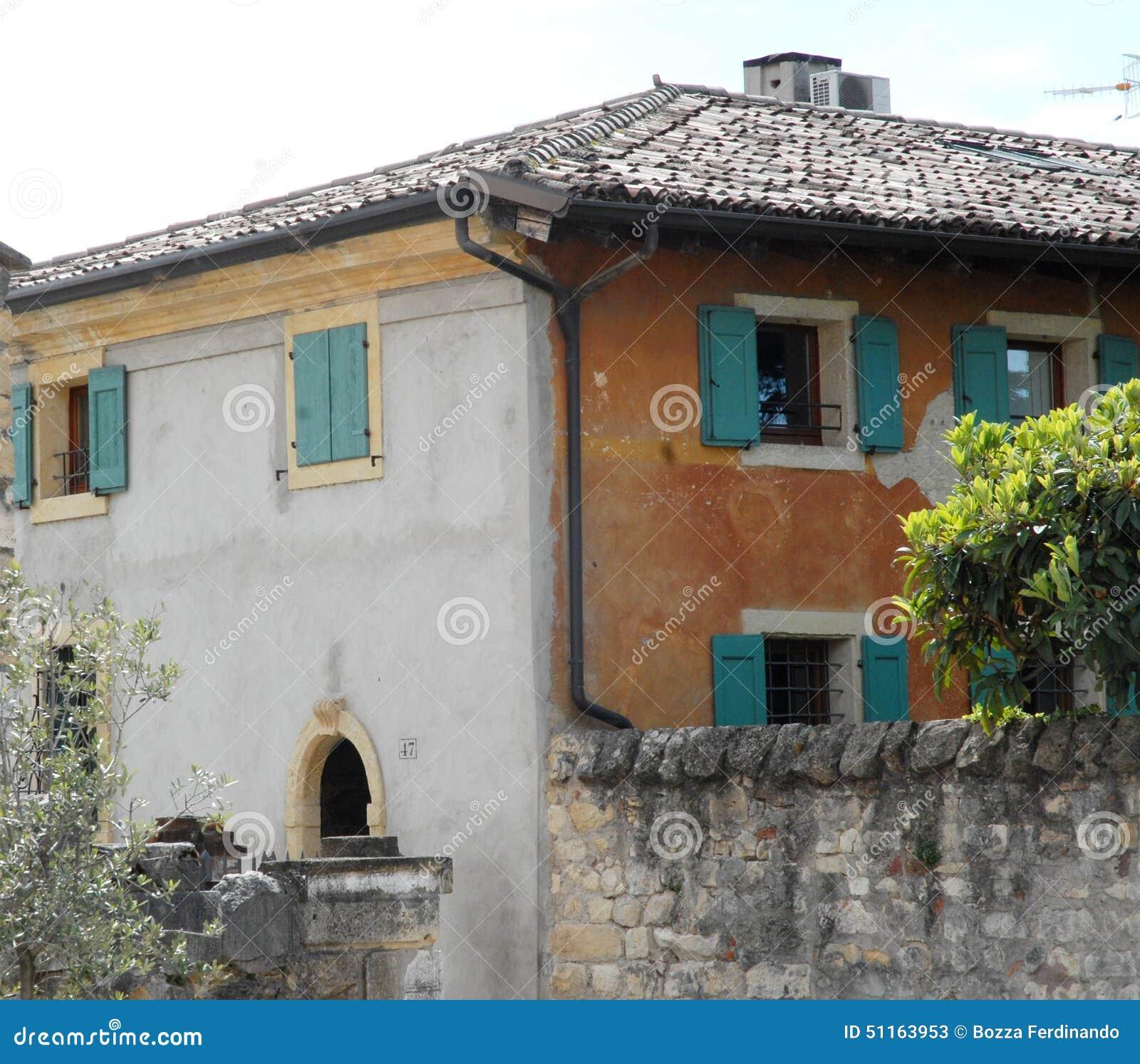Fachadas Del Cpo De La Casa De Diverso Color Imagen De