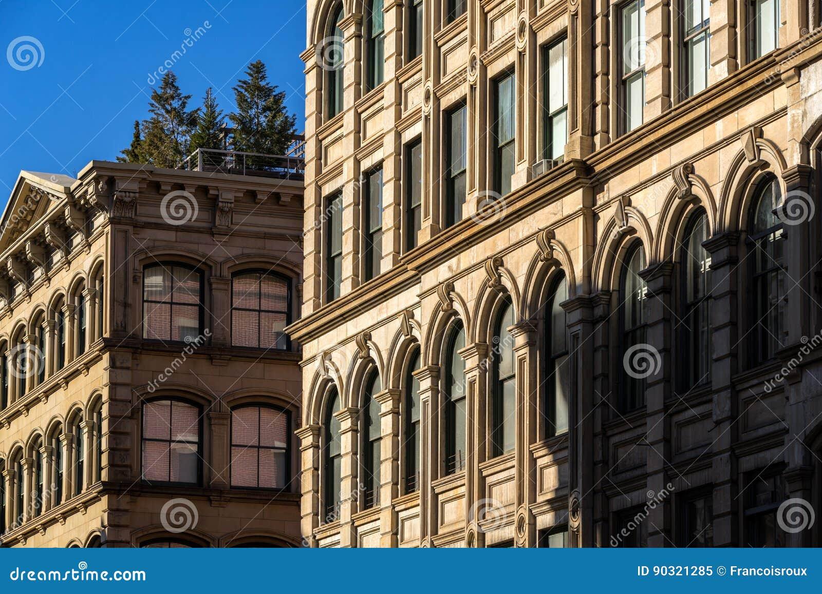 Fachadas Y Ornamento Del Edificio De Soho Con La Terraza New