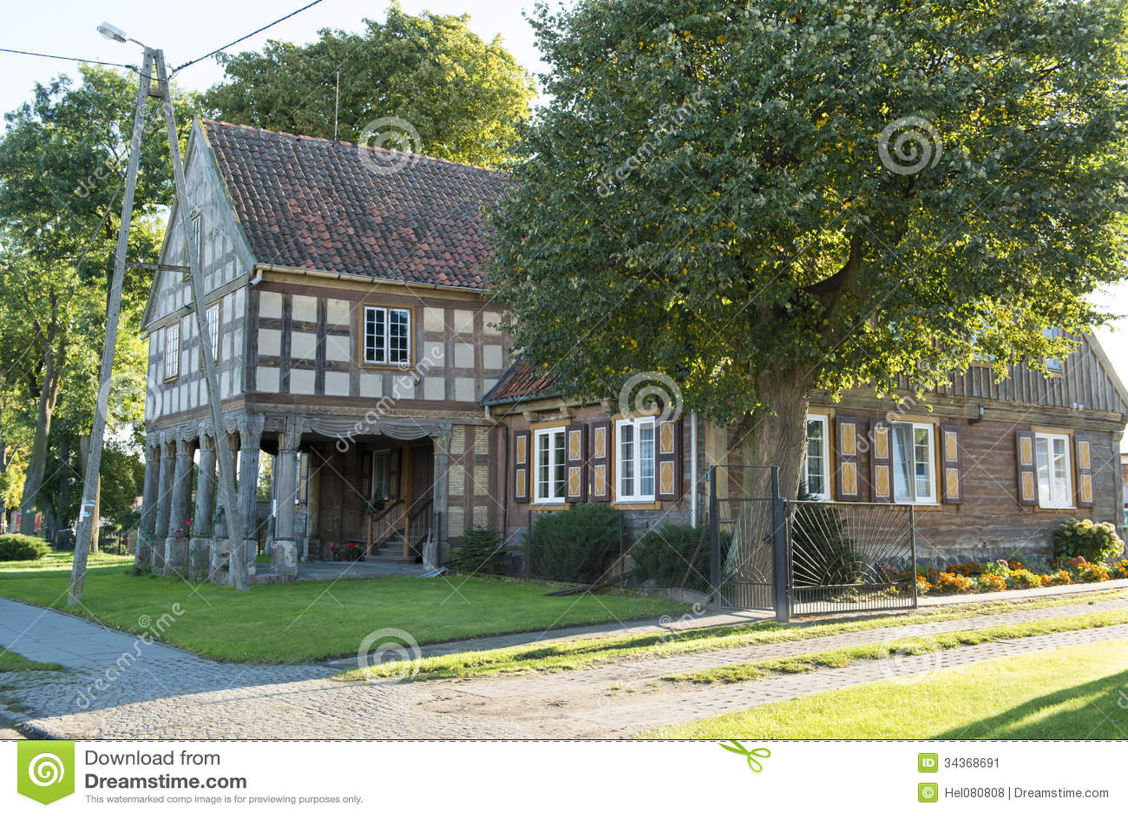fachwerkhaus in polen stockbild bild 34368691. Black Bedroom Furniture Sets. Home Design Ideas