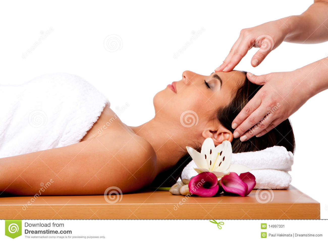 Facial massage in spa