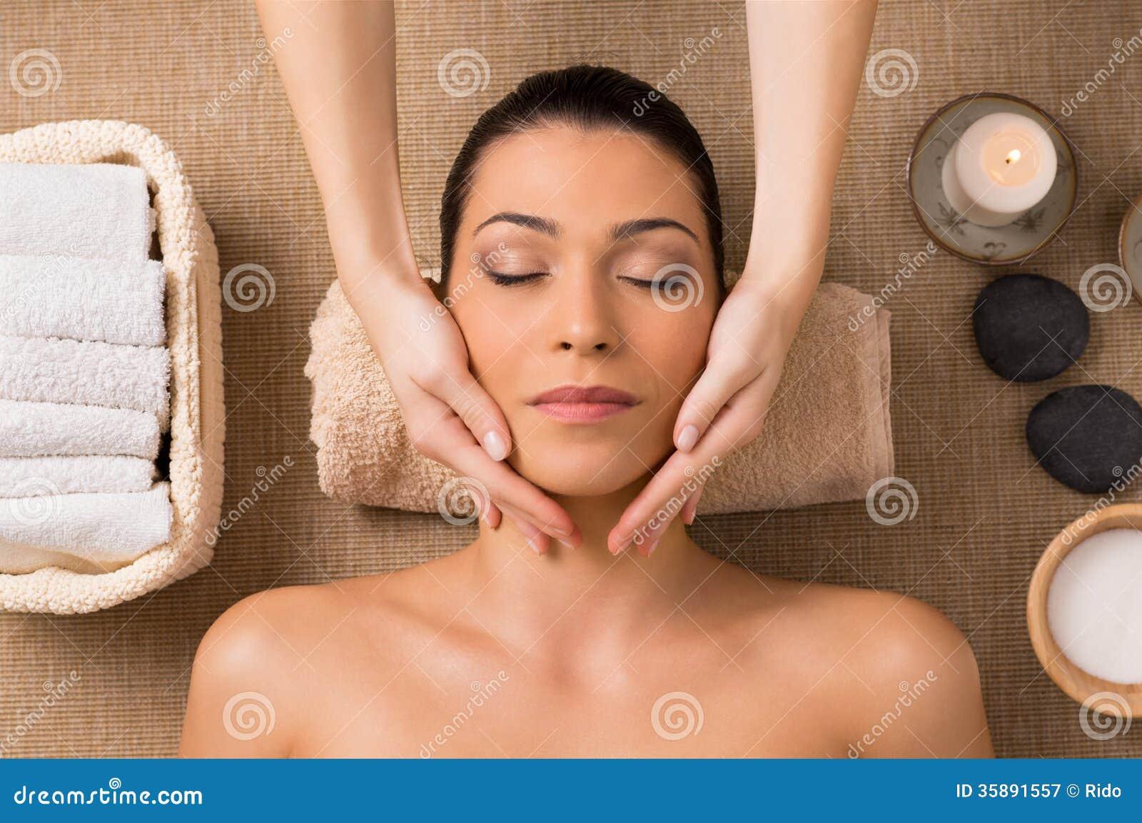 Facial Massage At Spa Stock Image Image Of Latin Exfoliation 35891557