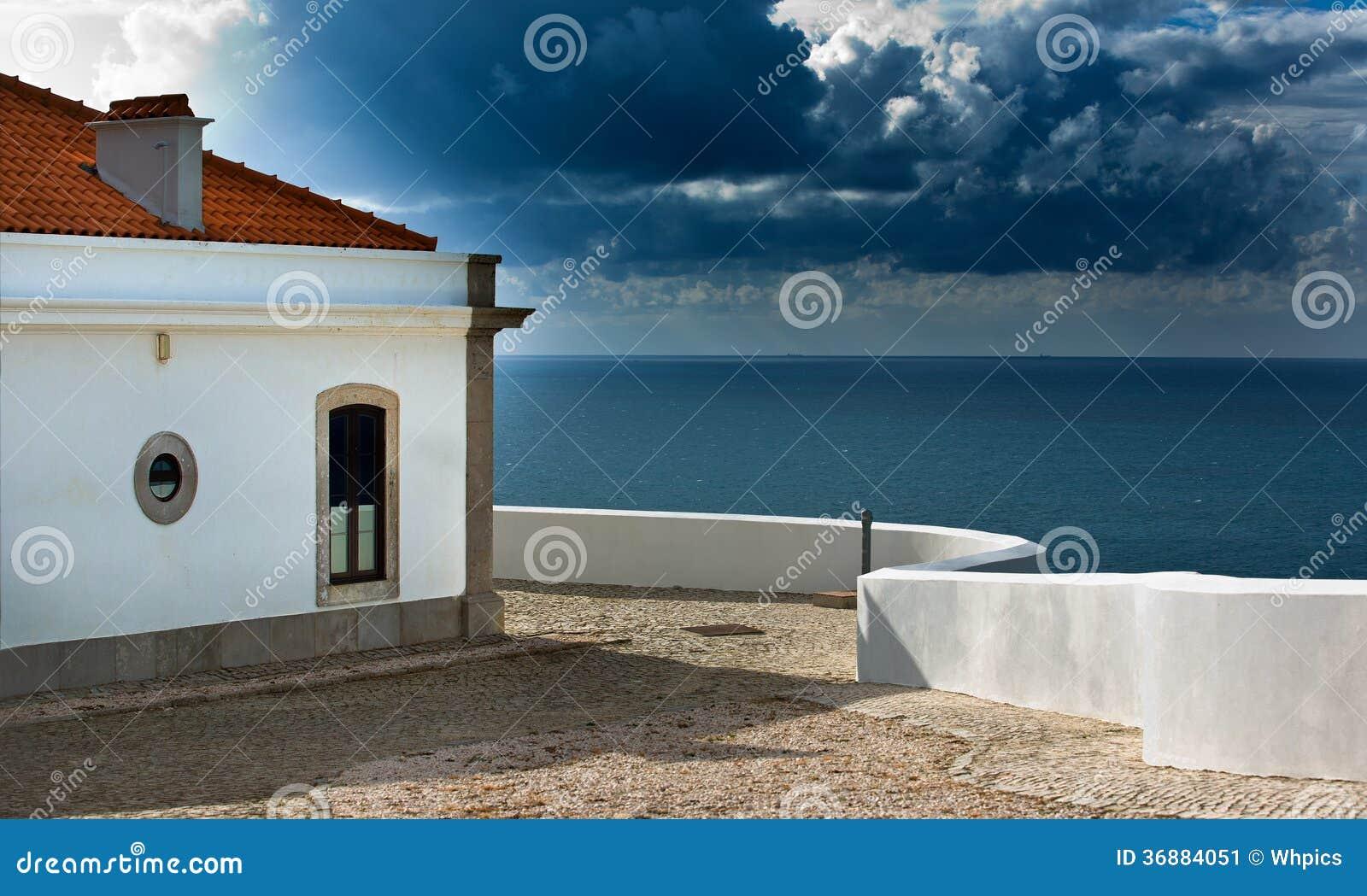 Download Facilità Della Casa Leggera Di San Vicente Immagine Stock - Immagine di europa, montagna: 36884051