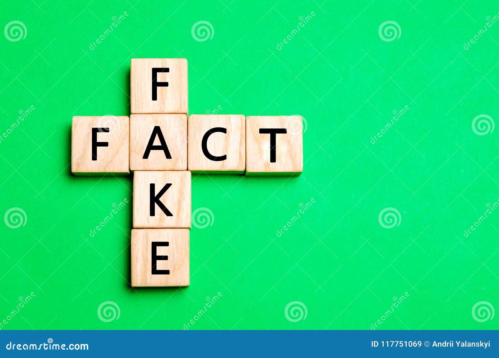 Fact lub imitaci pojęcie w poczęciu wiadomość i informacja,