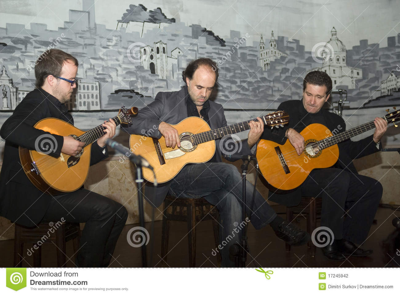 fado playing a traditional portuguese guitar editorial photography image 17245942. Black Bedroom Furniture Sets. Home Design Ideas