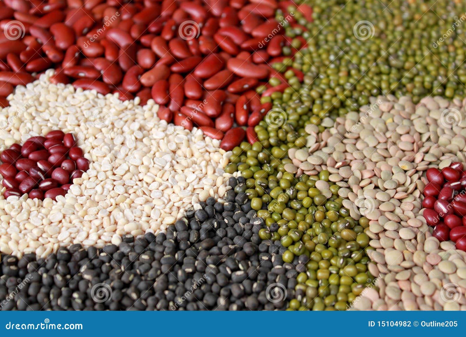 Fagioli, assortimento dei legumi