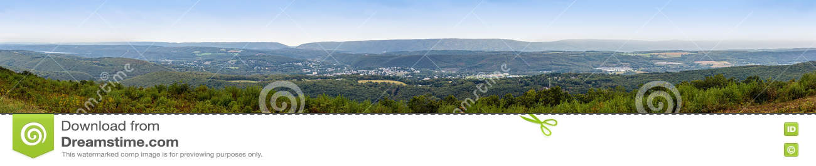 Fahnenmast-Bergpanorama