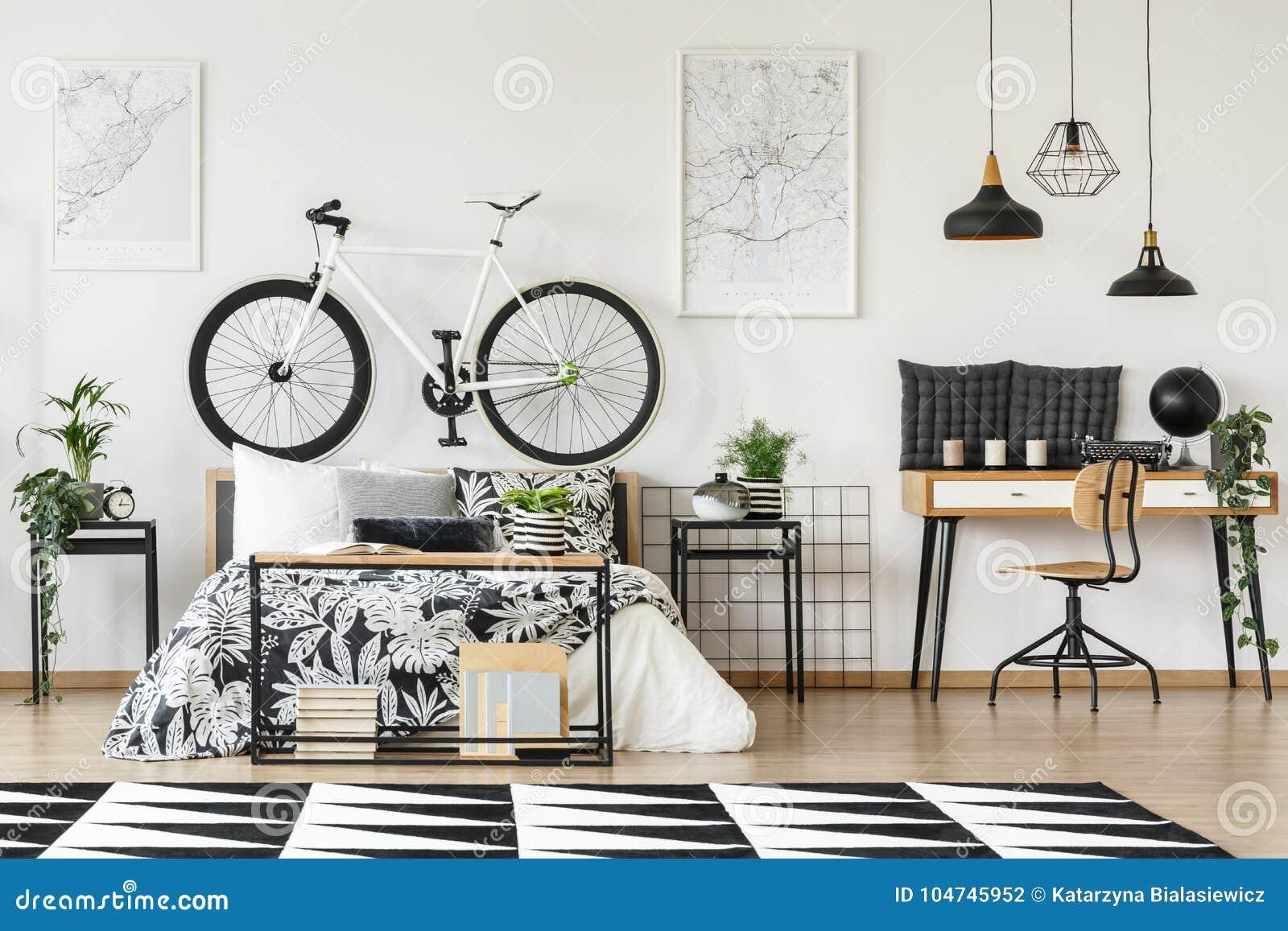 Fahrrad auf bedhead