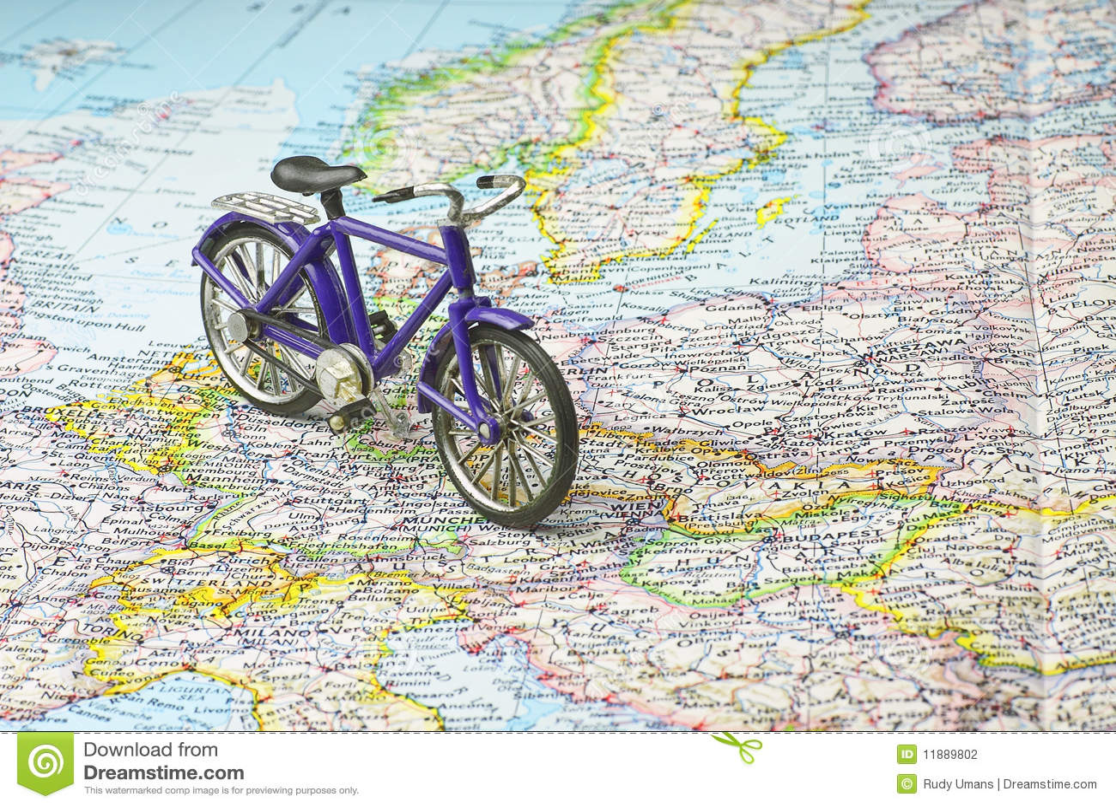 Fahrrad Karte.Fahrrad Auf Karte Von Europa Stockfoto Bild Von Konzepte