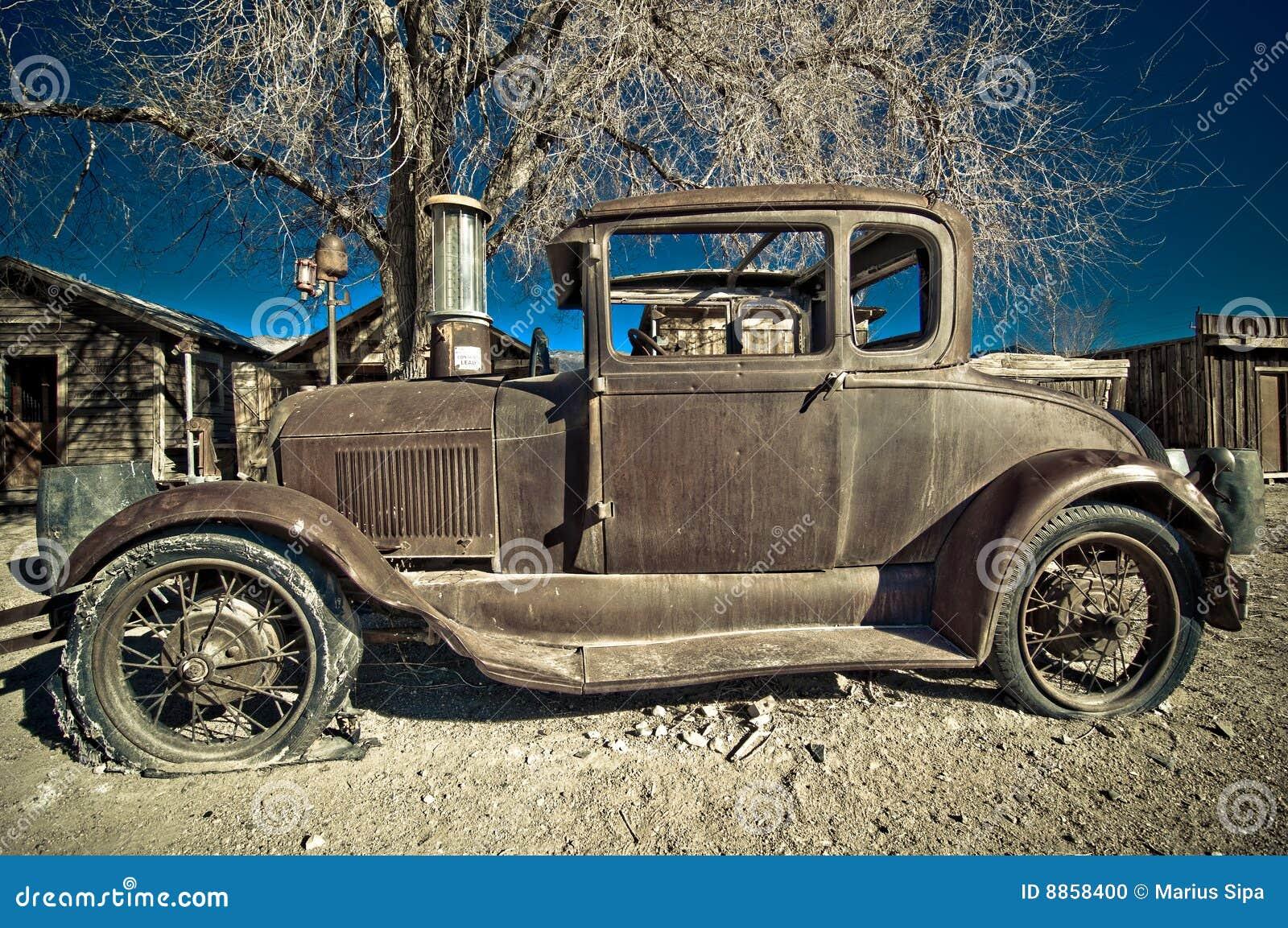 Fahrzeug, zurückgezogen