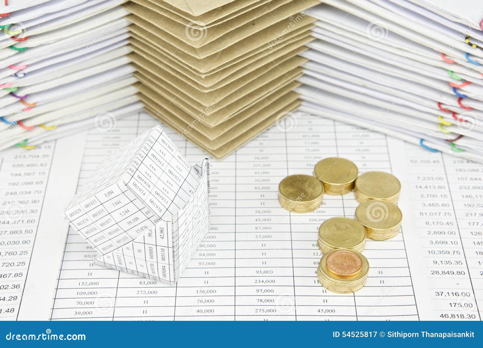 faillite des pièces d'or de maison et de pile comme point d