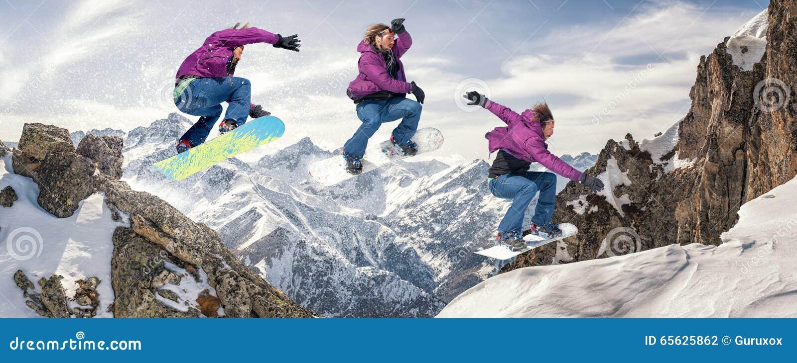 Faire du surf des neiges le saut