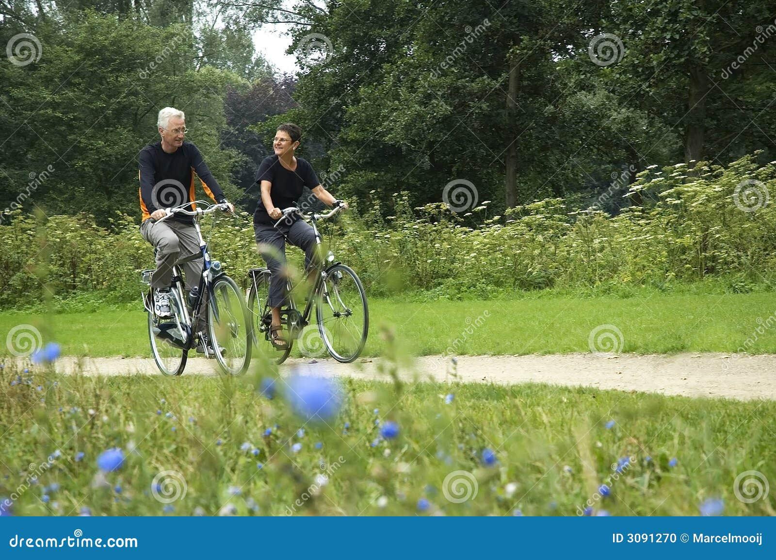 Faire du vélo d aînés