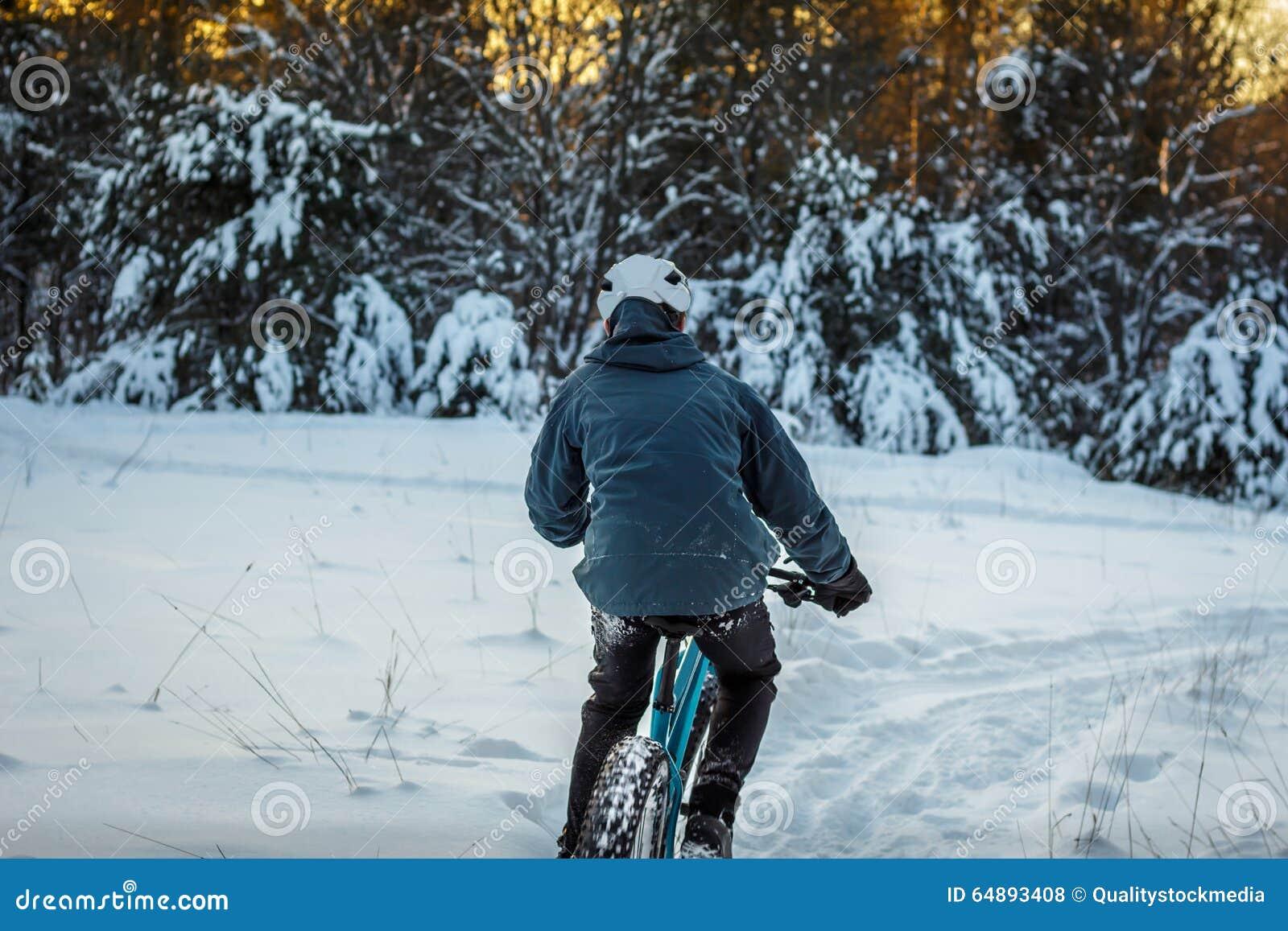 Faire du vélo d hiver