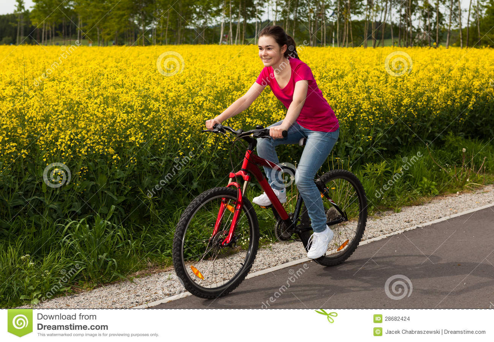 Faire du vélo de fille