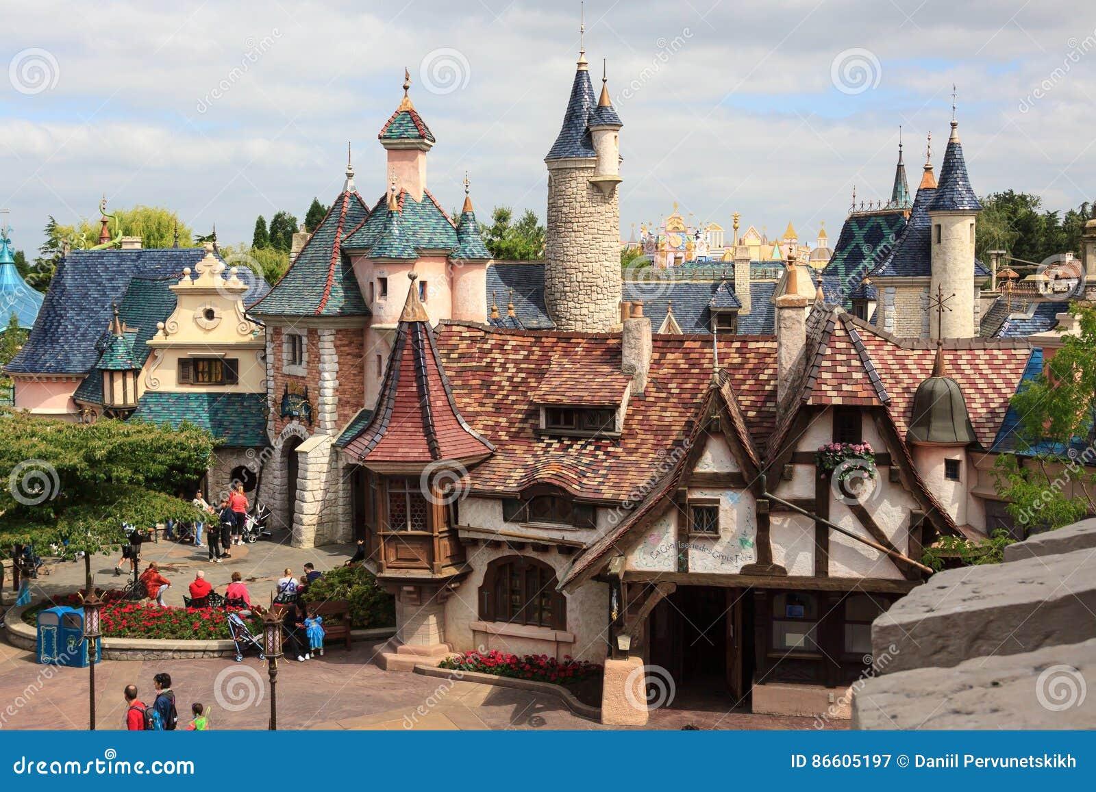 Fairyland с меньшей деревней, замок