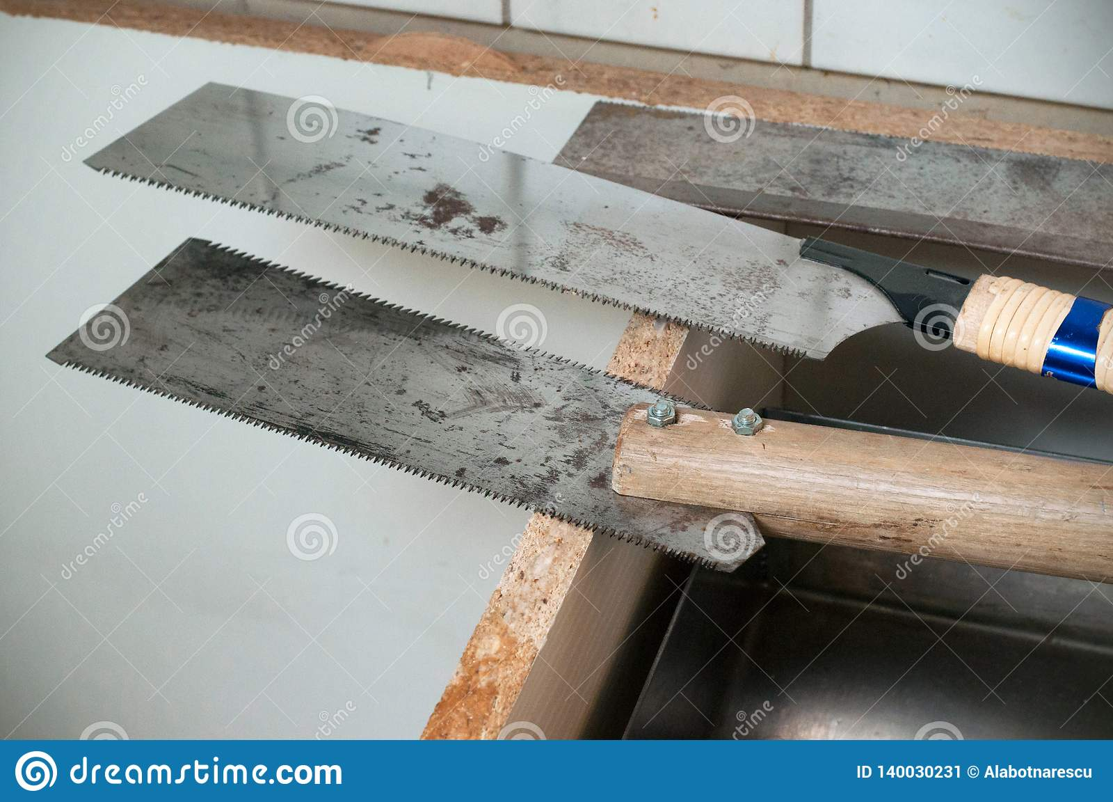 A faixa viu a lâmina Três serras para a reparação