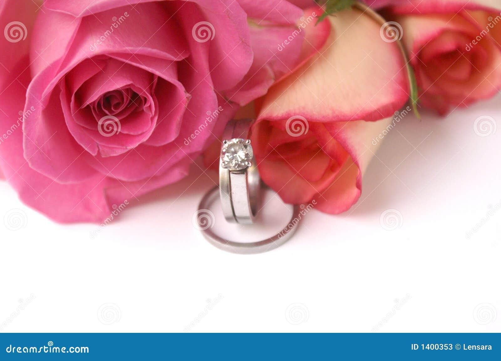 Faixas e rosas de casamento