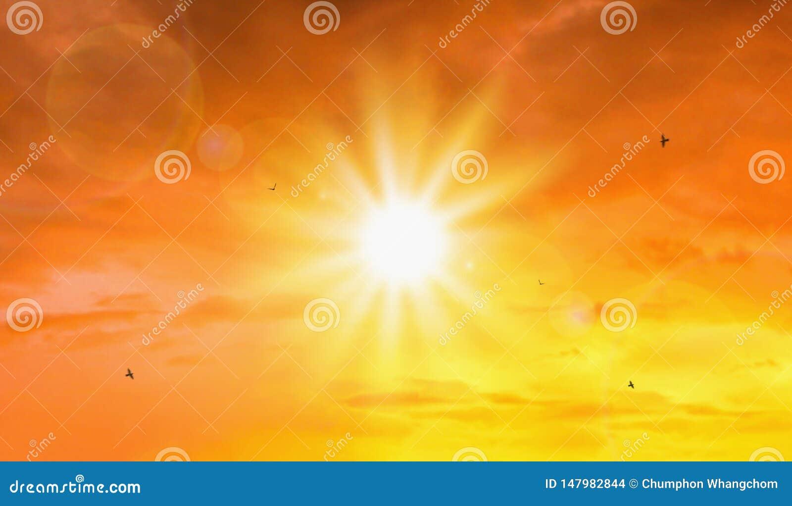 Fala upałów krańcowy słońca i nieba tło Gorąca pogoda z globalnego ocieplenia pojęciem Temperatura lato sezon