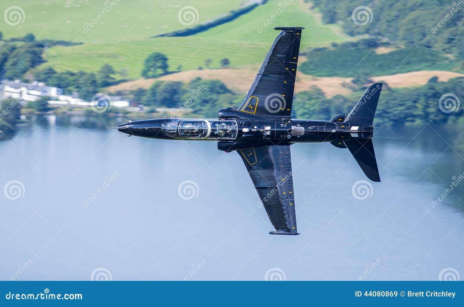 Aereo Da Caccia Falco : Falco nero del t dell aereo da caccia immagine stock