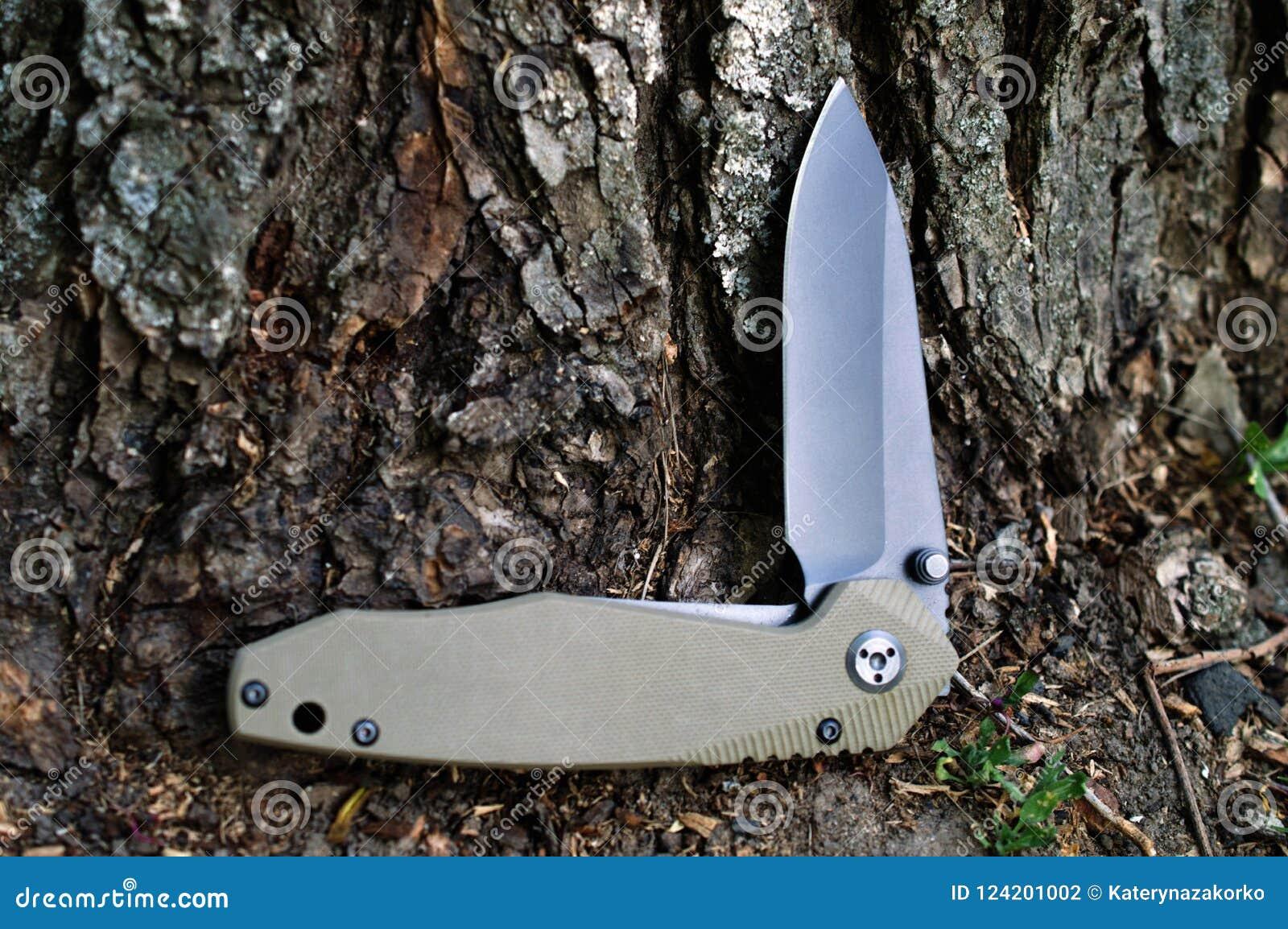 Falcowanie turysta, campingowy nóż z czarnym ostrzem i rękojeść szalenie,