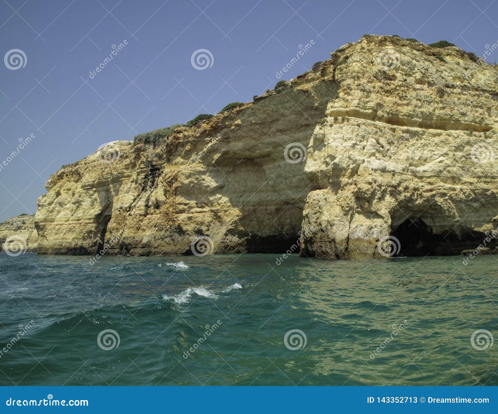 Falesias在阿尔加威在葡萄牙 欧洲