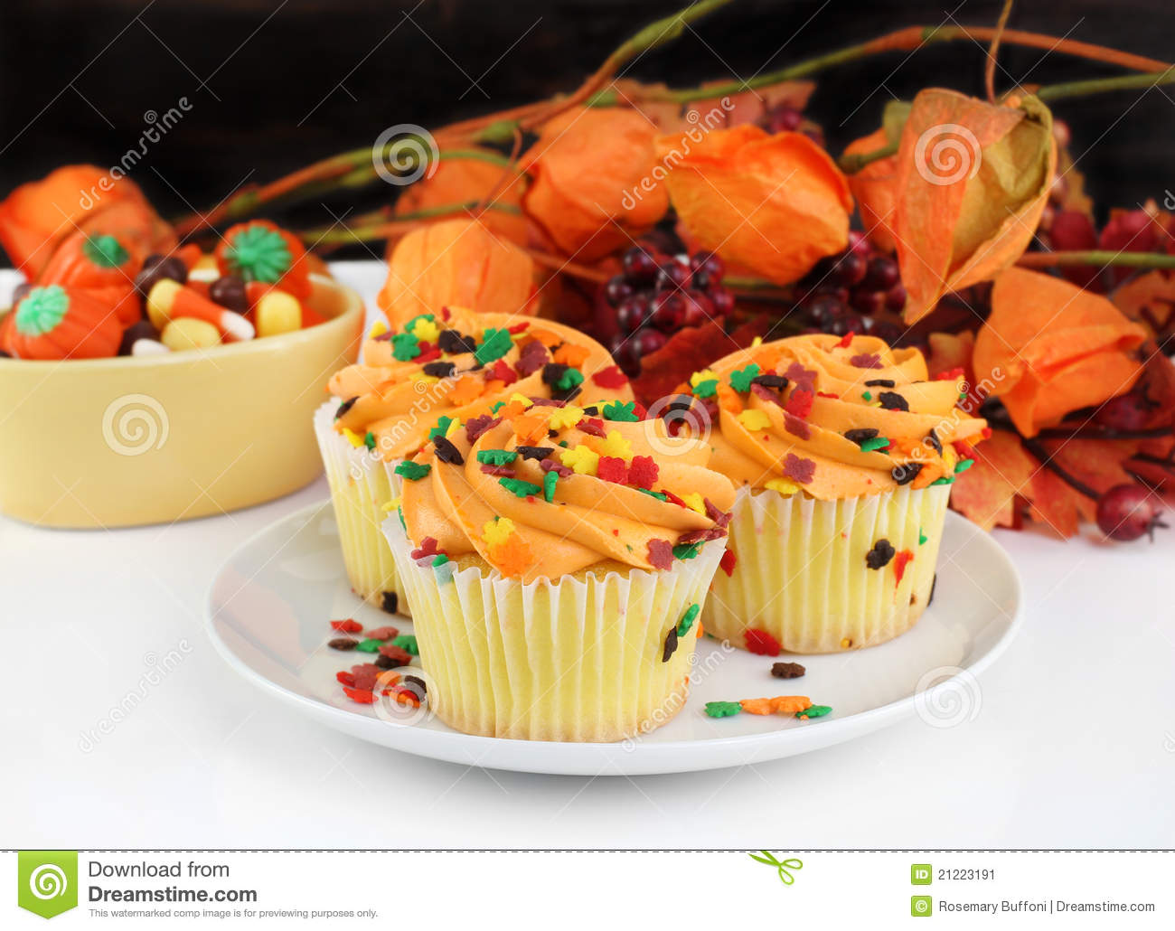 Fall Decorated Cupcakes And Halloween Candy Stock Image & Autumn Cupcake Decorating Ideas - Elitflat