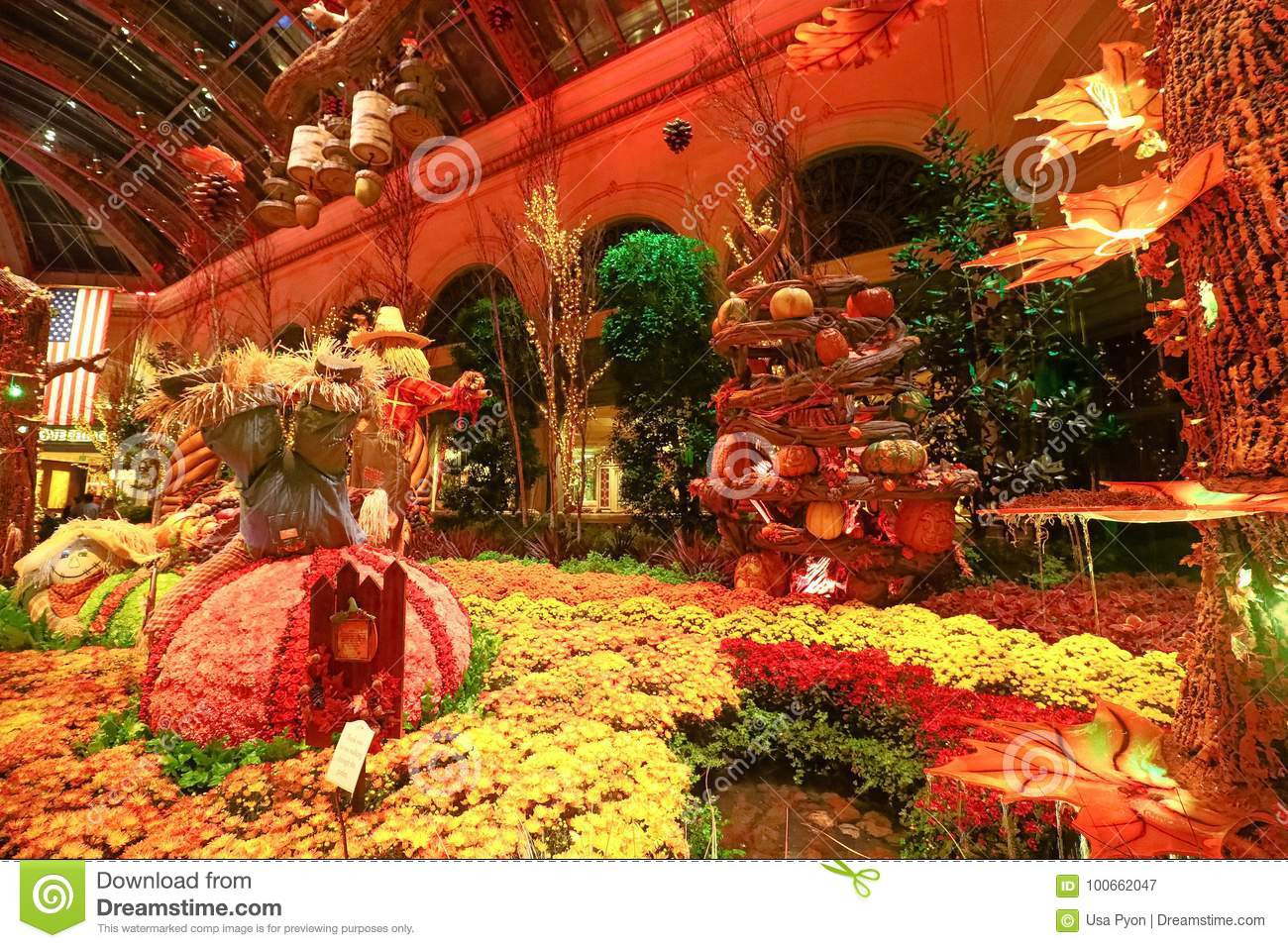 Fall Season In Bellagio Hotel Conservatory & Botanical Gardens ...