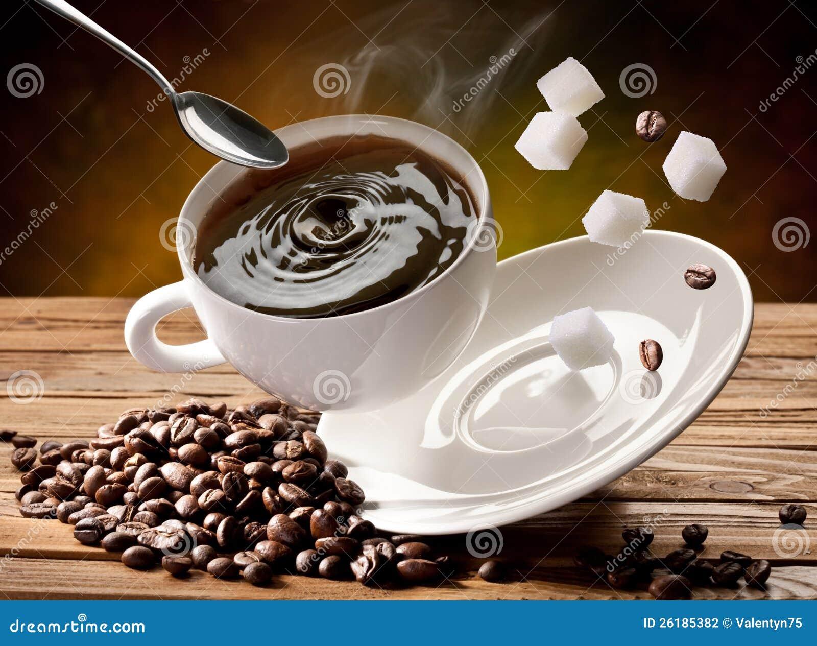 Fallender Cupkaffee