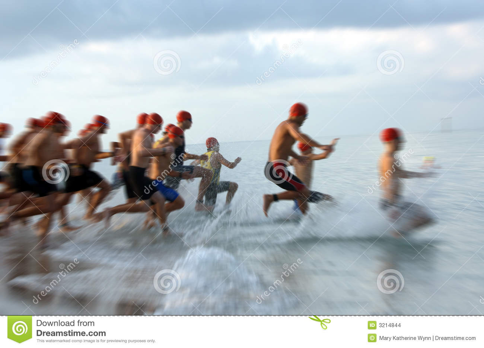 Falta de definición de la raza de la nadada del Triathlon
