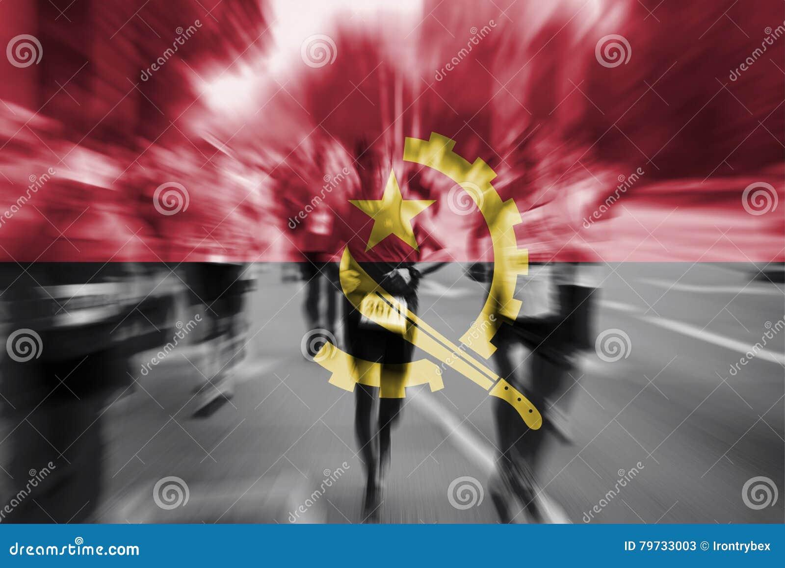 Falta de definición de movimiento del corredor de maratón con la mezcla de la bandera de Angola