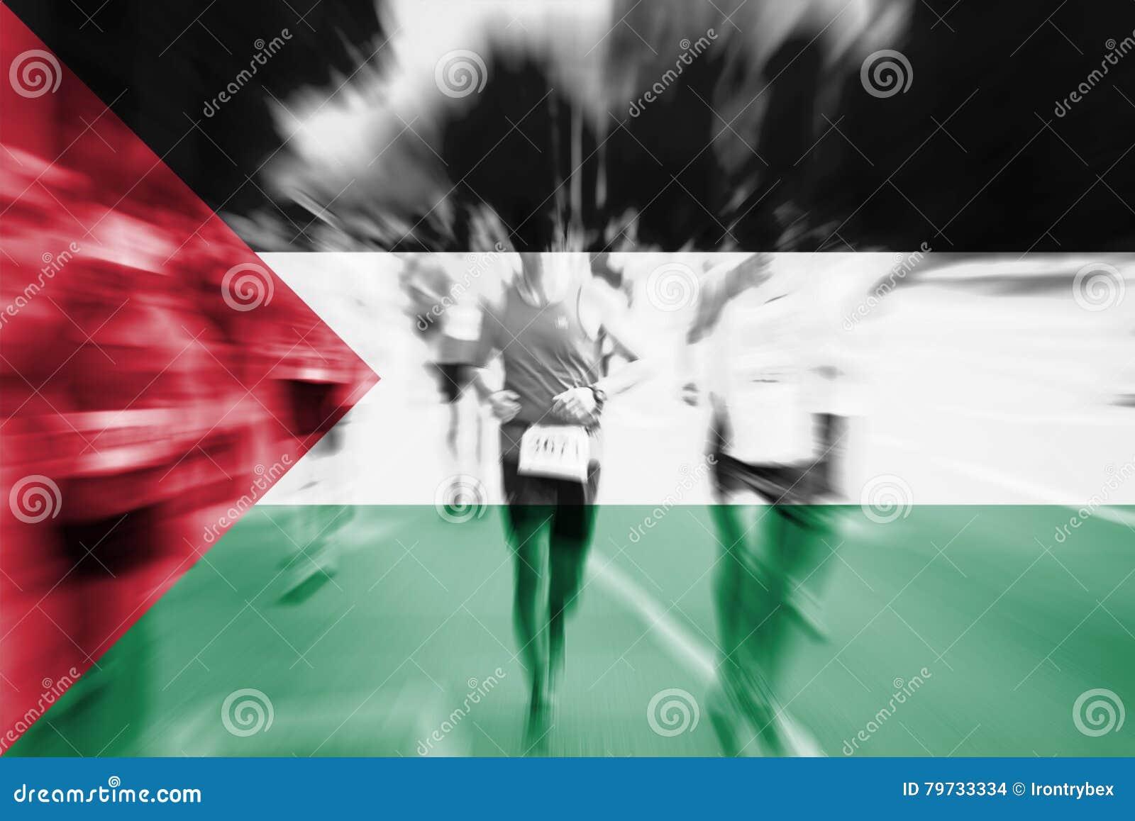 Falta de definición de movimiento del corredor de maratón con la mezcla de la bandera de Palestina