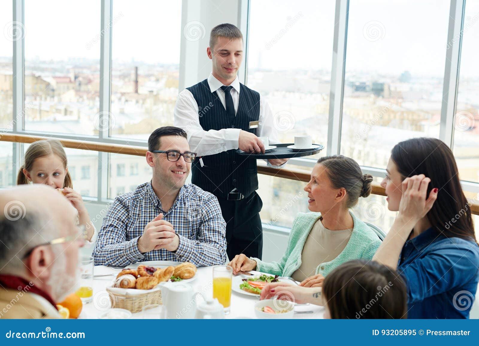 Família no restaurante