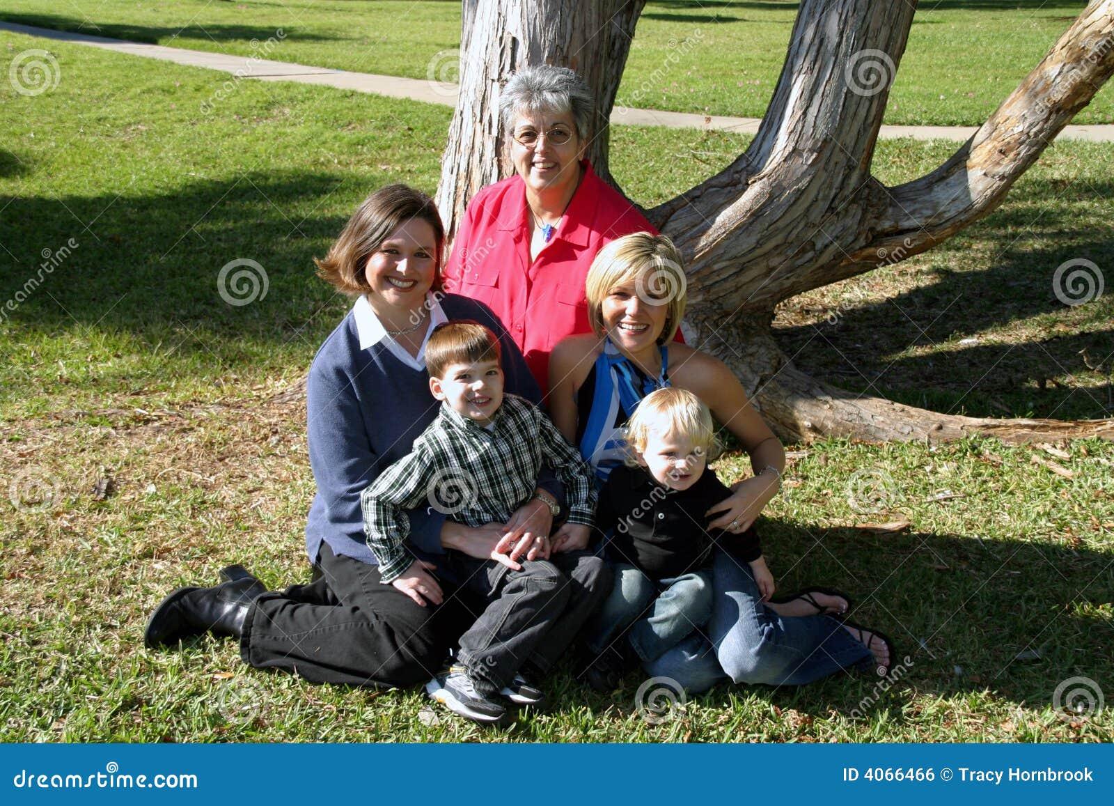 Família pequena de três gerações
