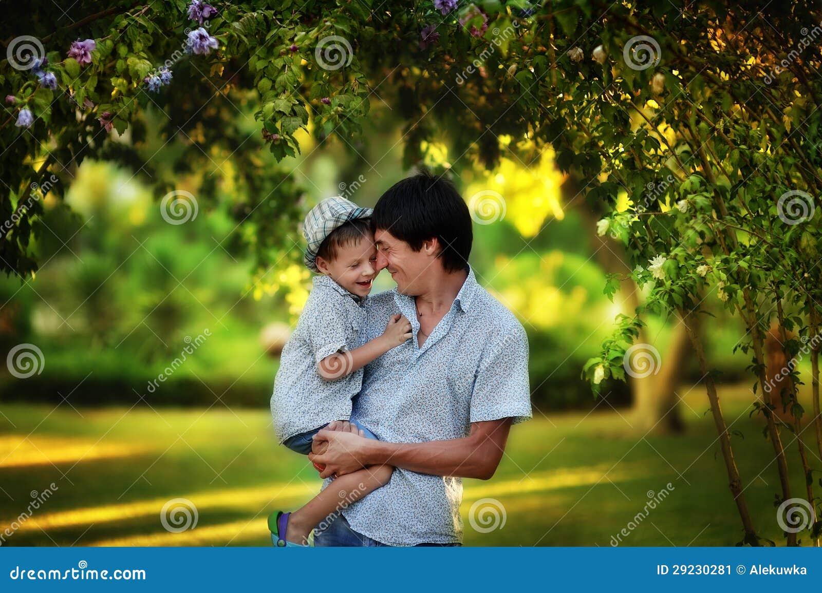Download Família unida imagem de stock. Imagem de alegre, caucasiano - 29230281
