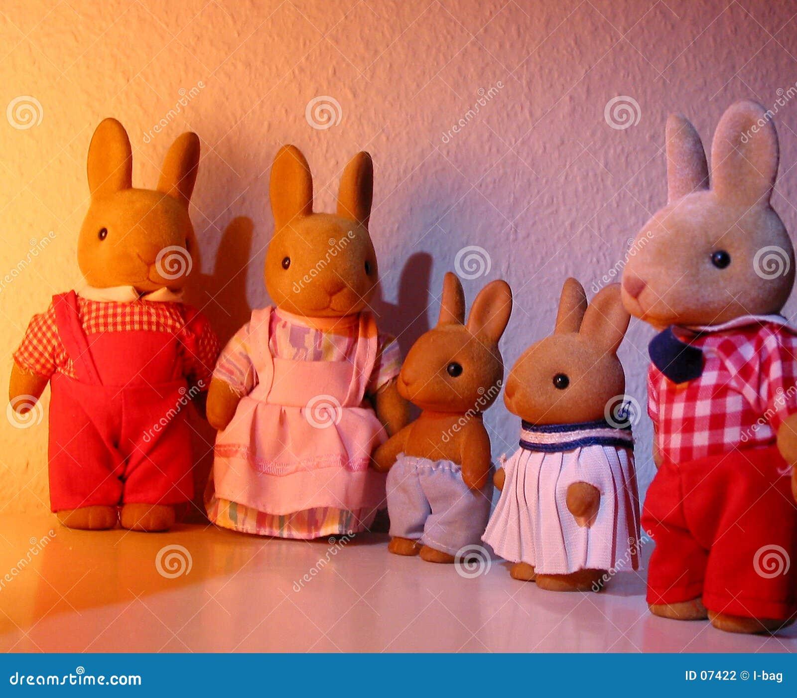 Famiglia del giocattolo del coniglio