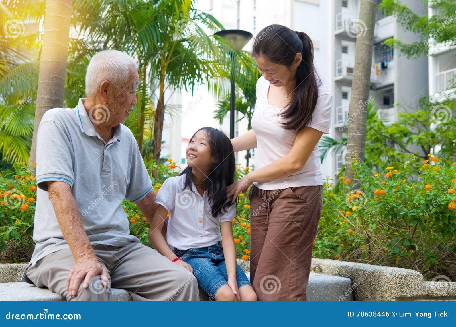 Famiglia della generazione dell asiatico tre