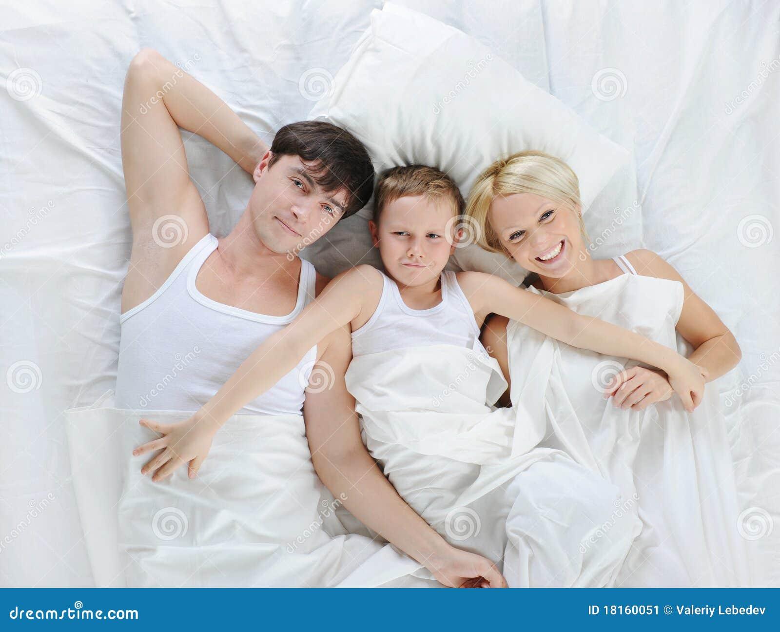 Famiglia felice che si trova nella base