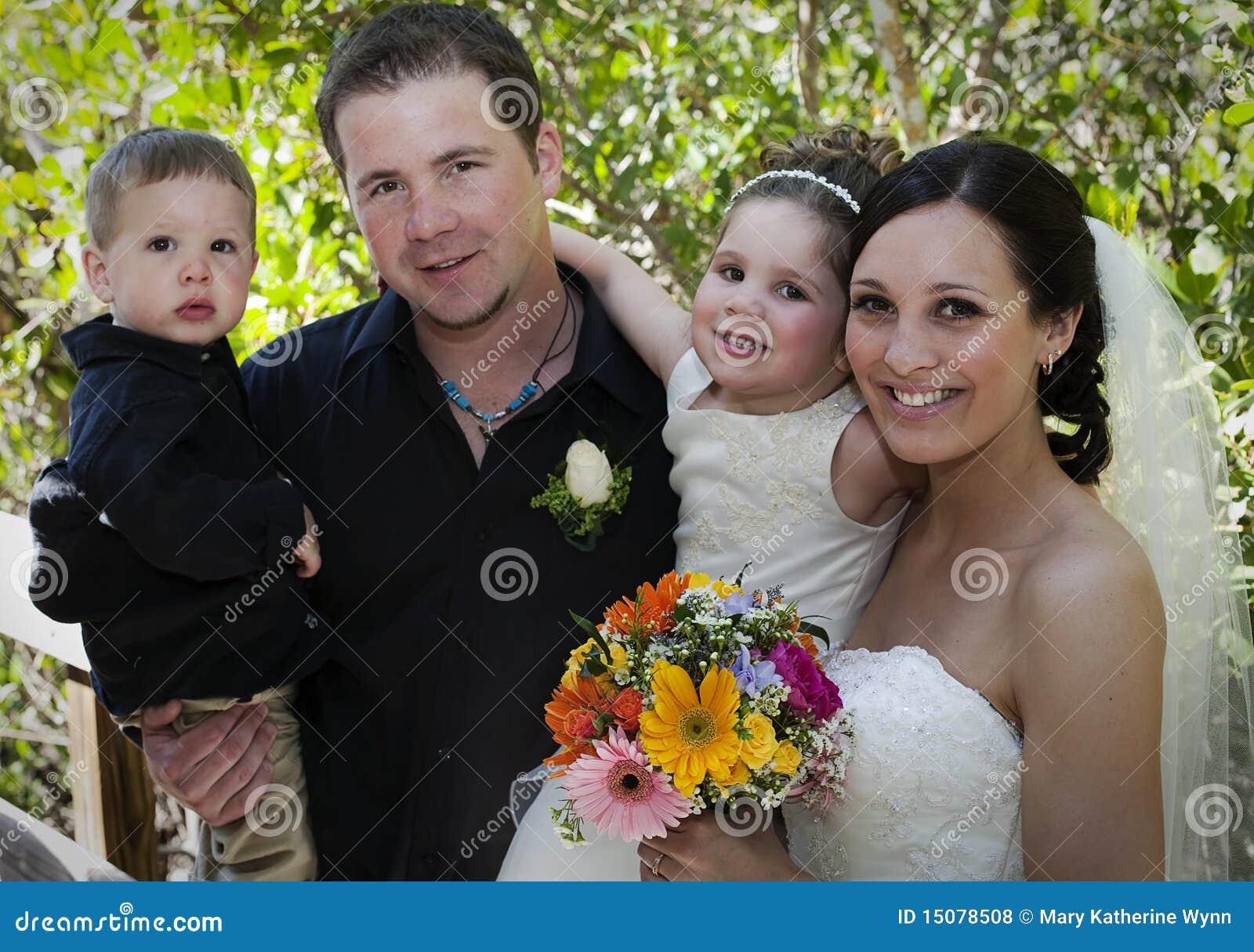 Famiglia sul giorno delle nozze