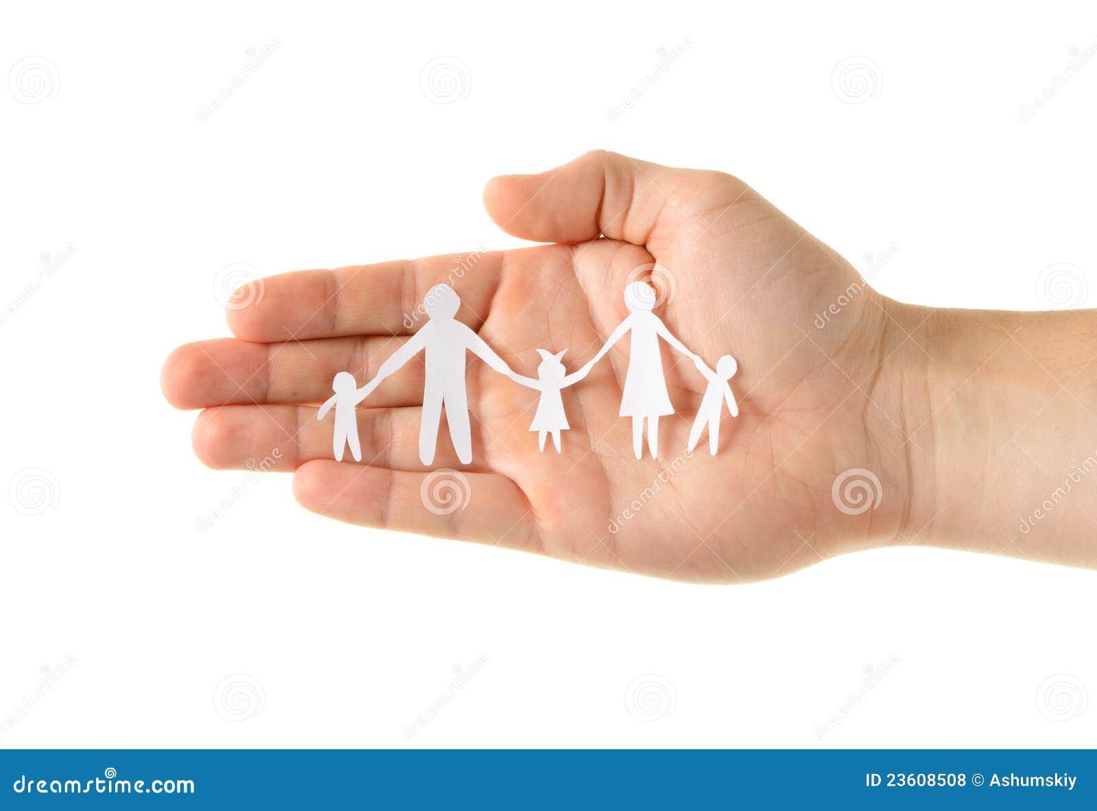 Familia de papel a disposición