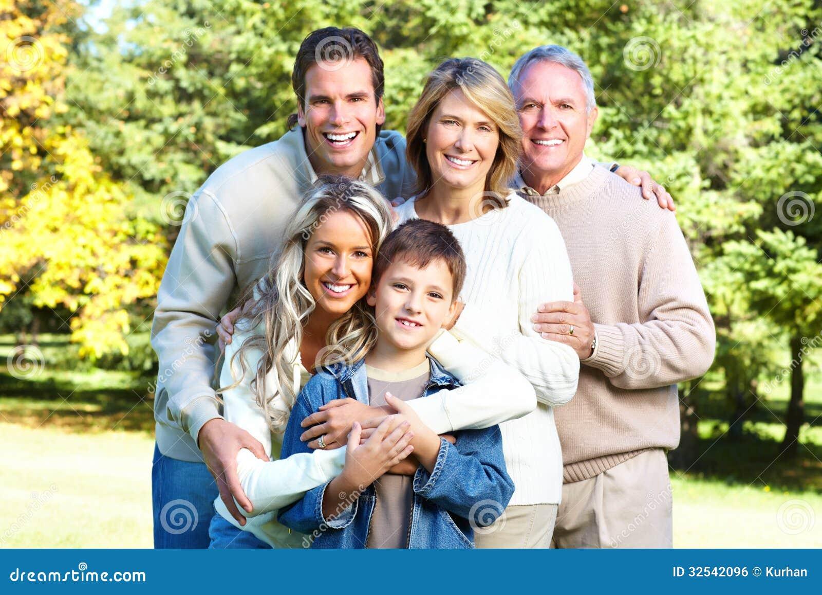 Familia Feliz Imagen de archivo libre de regalías - Imagen ...