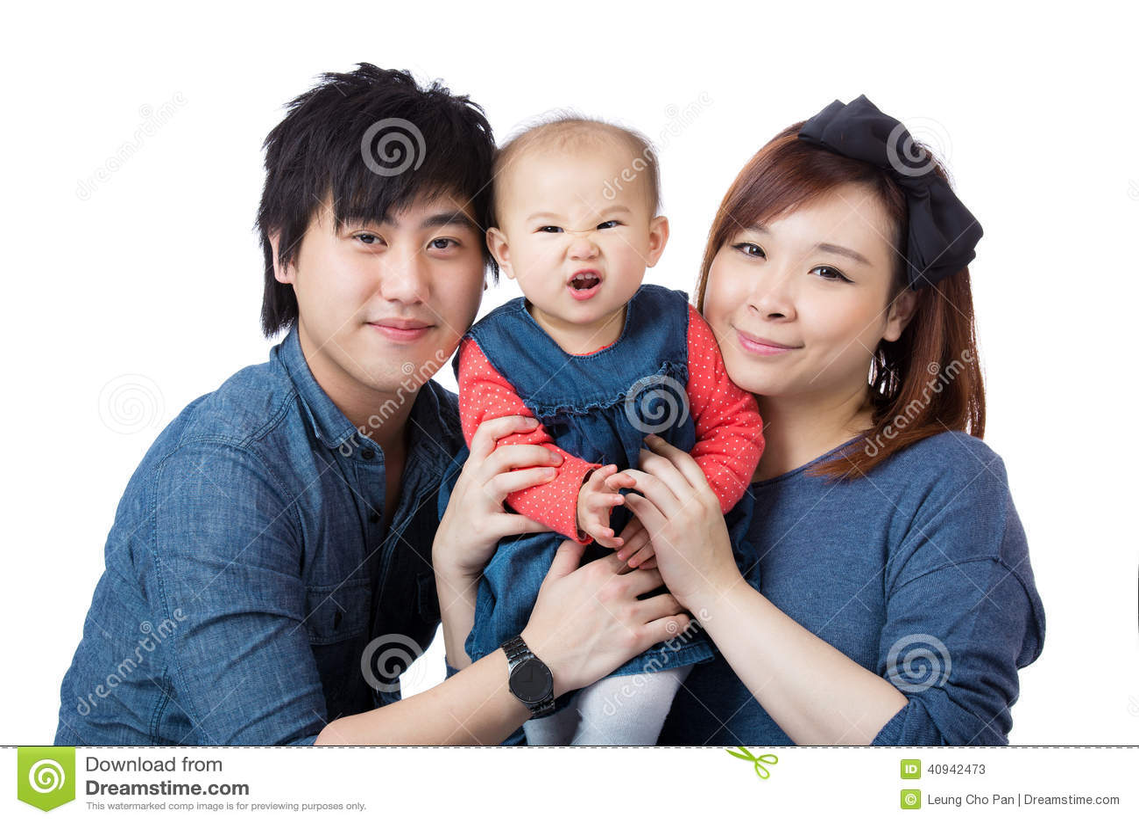 Familia feliz de Asia