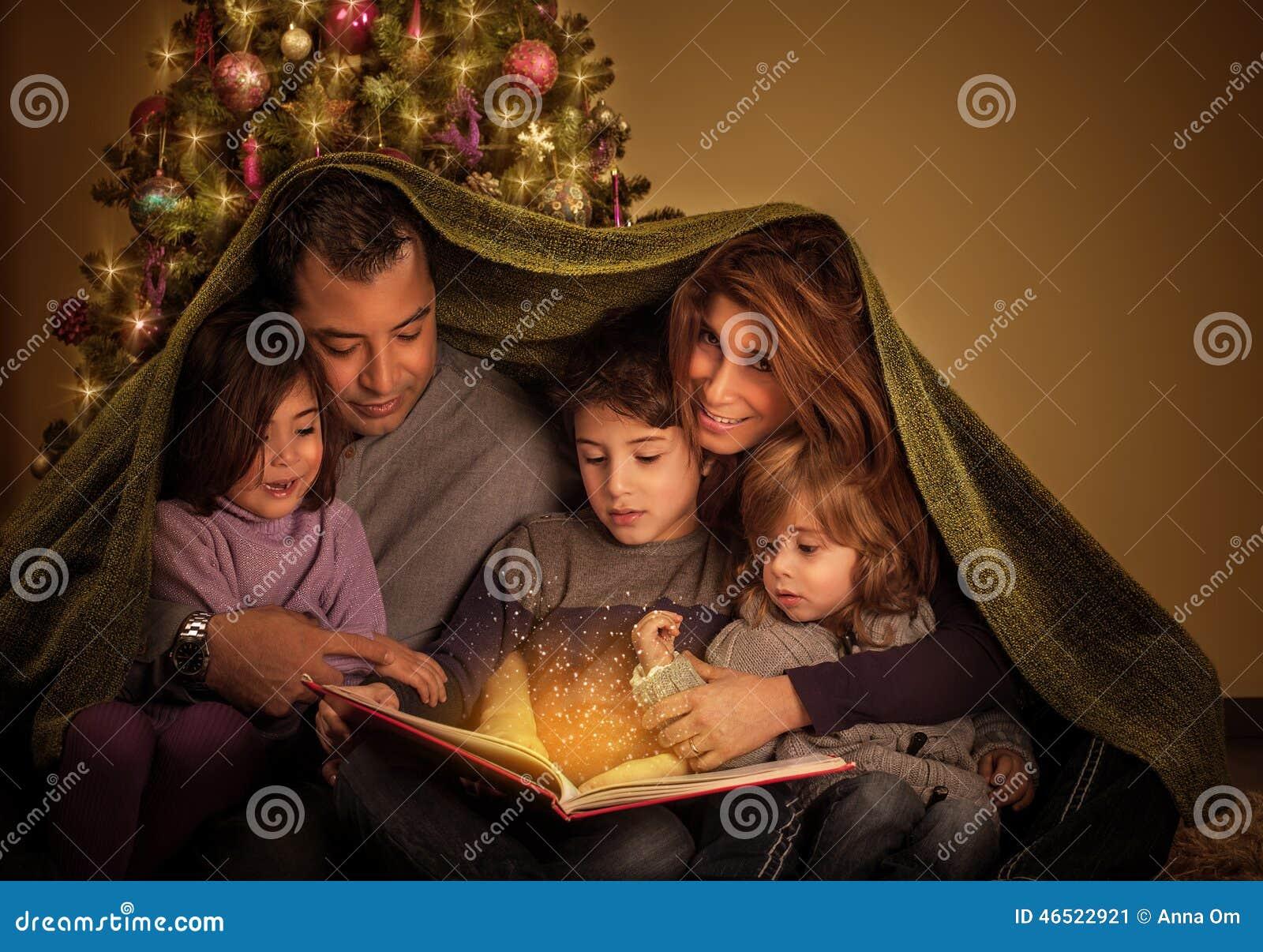 Familia grande en Nochebuena