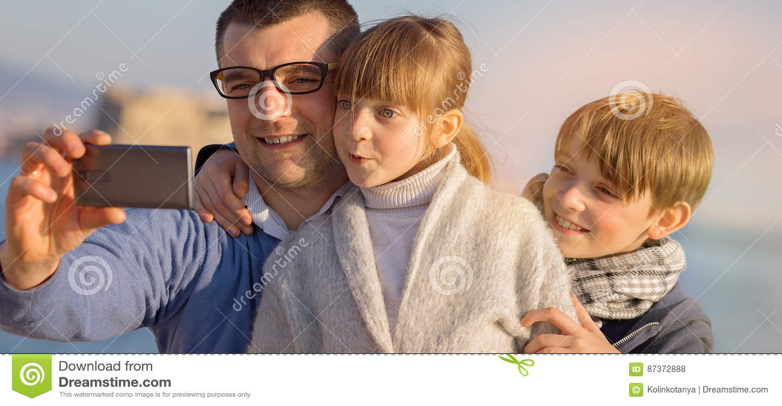 Familia, turismo, concepto de las vacaciones
