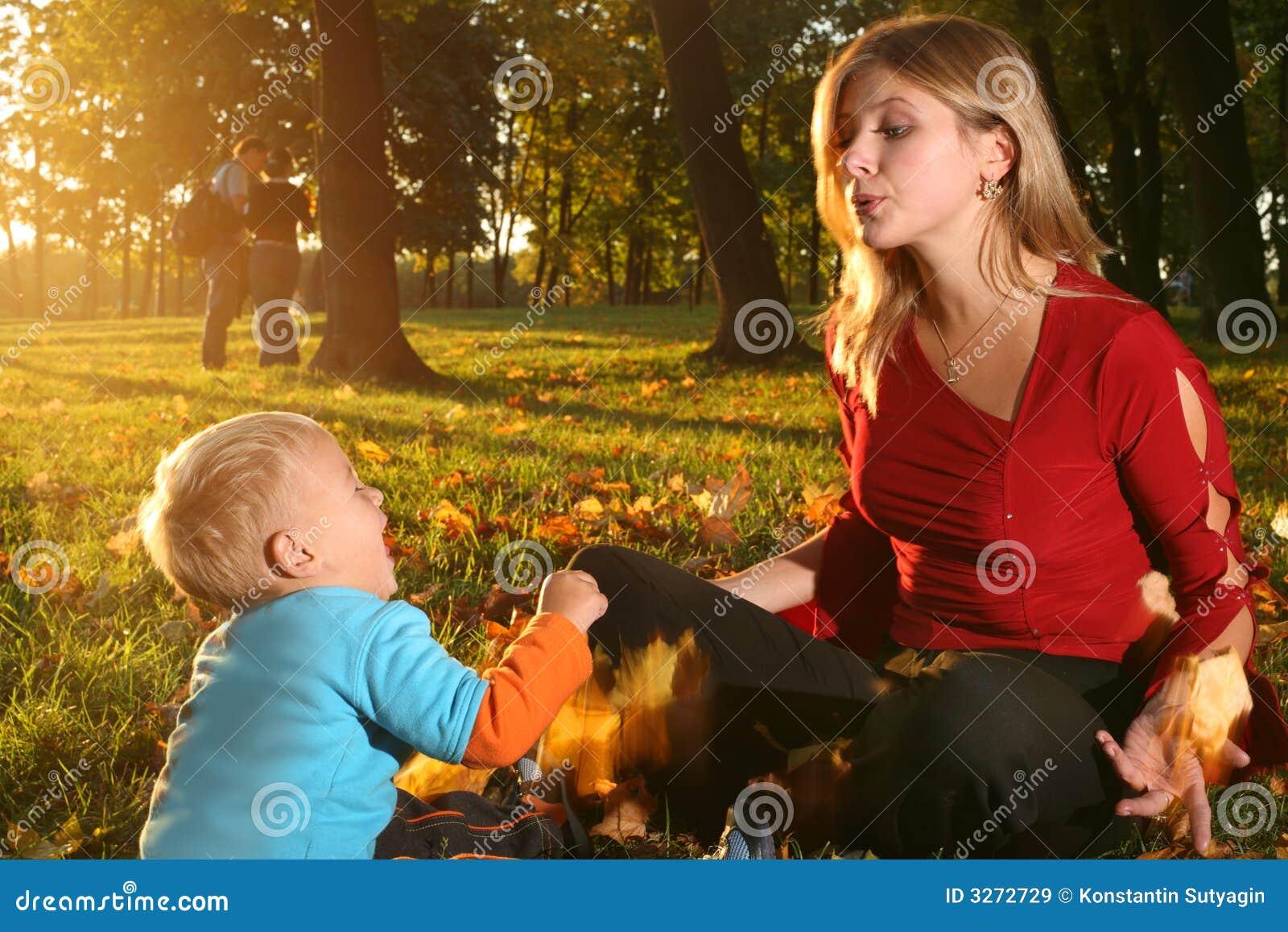 Familie in de herfst
