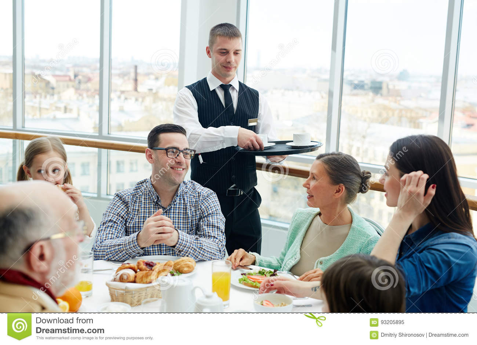 Familie in restaurant